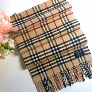 Burberry Vintage Classic Pattern Scarf 🧣